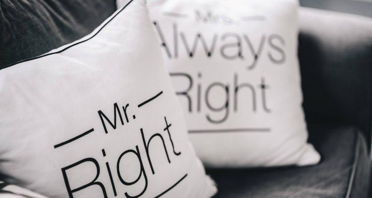 να βγαίνω με κάποιον παντρεμένο με τη δουλειά του κρατώντας τα χέρια στο χριστιανικό ραντεβού