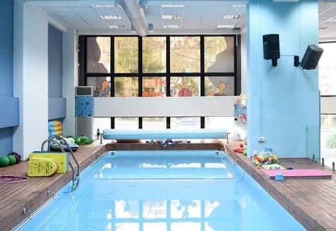 Το πρώτο μας κολυμβητήριο και αγαπημένο είναι αυτό της Αγίας Παρασκευής! Ελάτε να το γνωρίσετε!  #Xelonakia #babyswimming